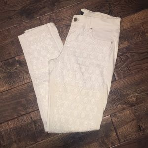 White House Black Market white beaded pants size 6
